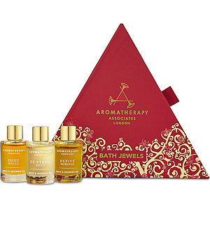 aromatherapy associates bath oil gift set - green beauty gift guide