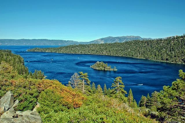 lake-tahoe-365575_640