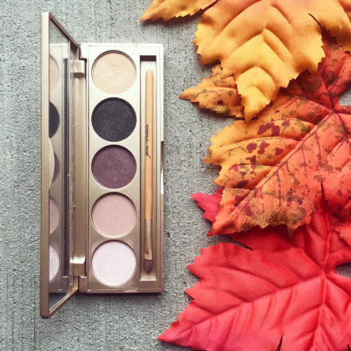 Jane Iredale Smoke In Your Eyes Shadow Palette - Awesome Beauty Gift Ideas for Women!