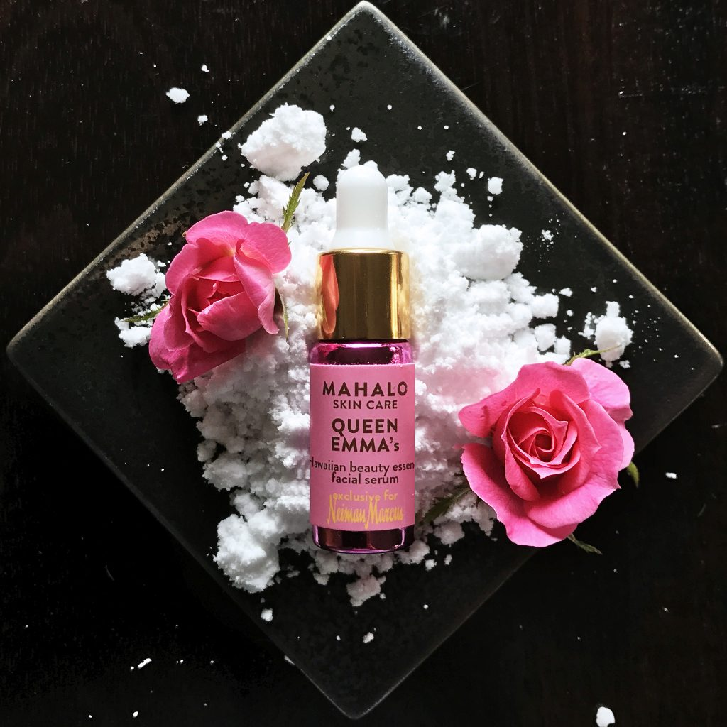MAHALO Winter Grace Collection Presale Event is on now! Get the MAHALO Queen Emma as a FREE Gift!